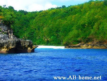 Beach on Nusa Penida