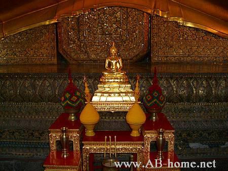 A Buddha Statue at Wat Po