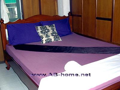 A room example at Sri Ayuttaya in BKK